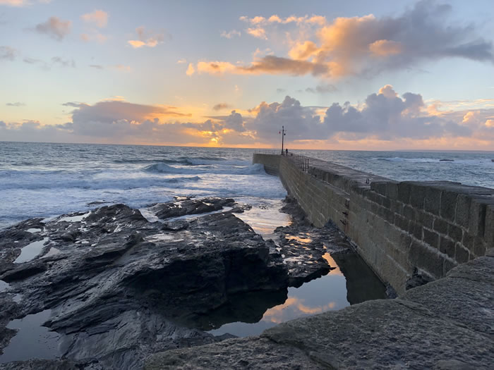 porthleven sunset, image by viv robinson, registered blue badge tour guide