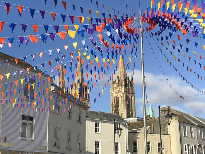 guided walks around truro, cornwall with viv robinson, registered blue badge tourist guide